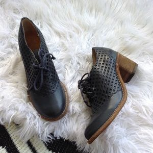 Free People Silent D leather oxfords booties blue